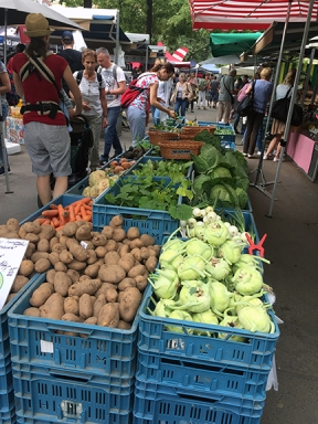 Farmers' market Jiřák has plenty to offer, even in late May.